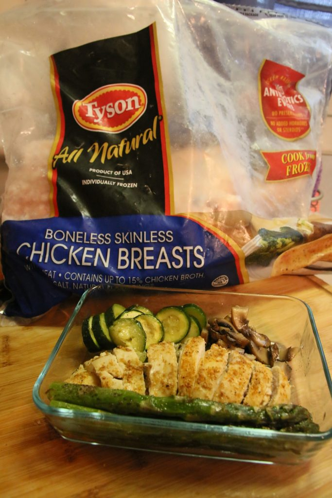 #ad| Need a new recipe for meal planning this week? Check out my One Pan Veggies and Chicken dish! You can make this as either chicken fajitas or chicken and veggies, to add either quinoa or rice! #TysonBetterChoices #SamsClub